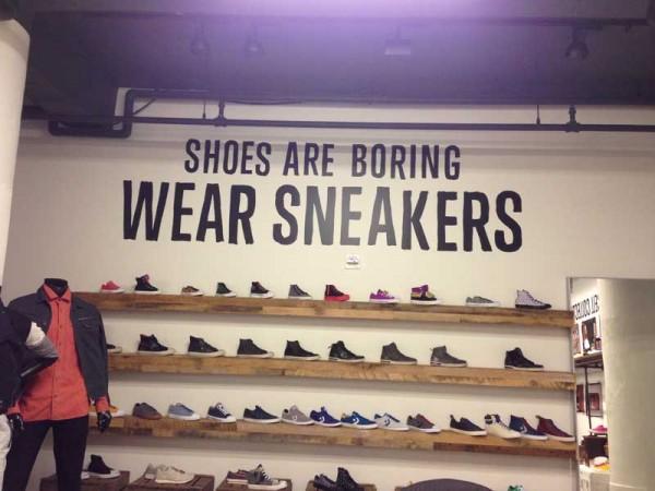 converse wear sneakers wall 03