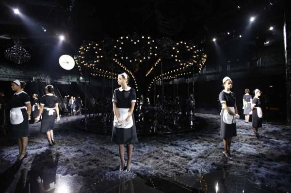 Louis Vuitton S14 show decor (7)