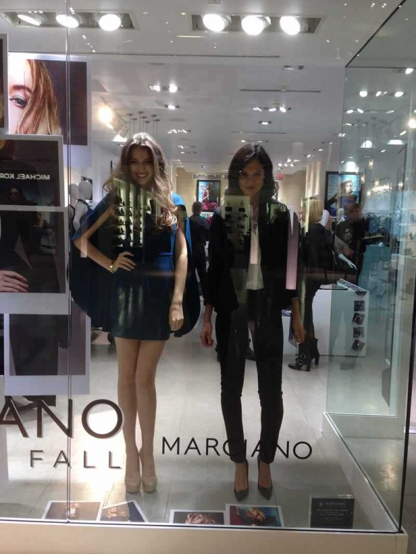 marciano living mannequins (1)