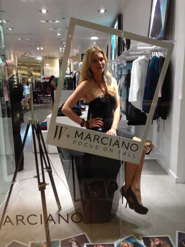 marciano living mannequins (3)