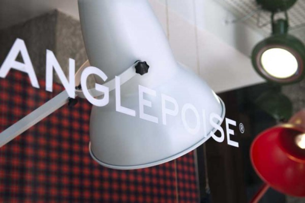 BARACUTA_ANGLEPOISE_SHOP WINDOW_4