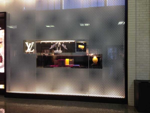 Louis Vuitton Northpark Center 3-29-2014-02