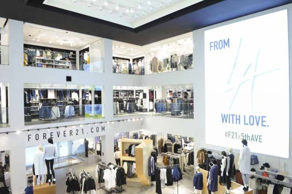 Forever 21 on Fifth Avenue Interior